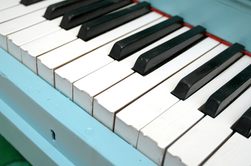 394-piano-closeup